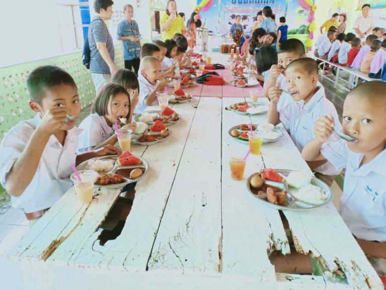 Kids at Baan Toong Krabam school are having lunch